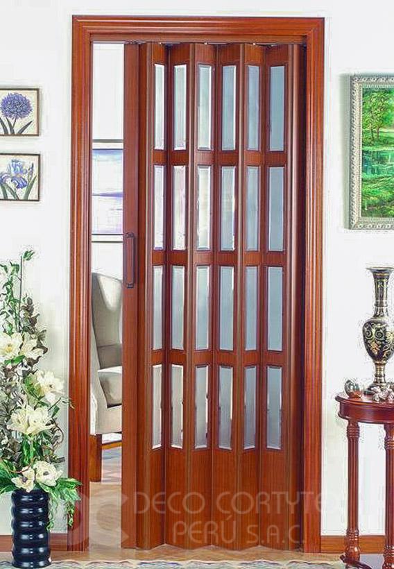 Puertas plegables 05 - Puerta PVC con Paneles traslúcidos