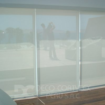 Rollers screen 13 - Roller 5% color blanco, Casa Playa Paracas