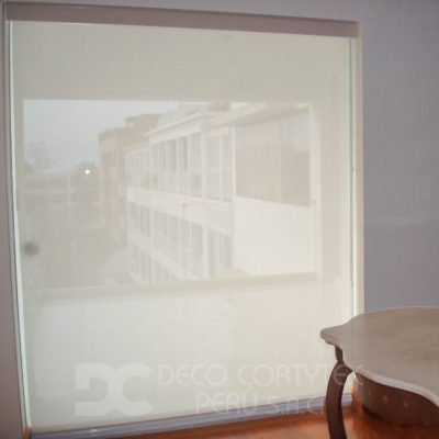 Rollers screen 08 - Roller screen 10% color blanco con cenefa